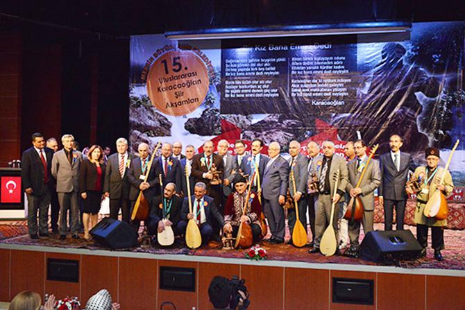 """Büyükşehir Belediye Başkanı Burhanettin Kocamaz, """"Biz Kültürümüze, Şiirimize Ozanlarımıza ve Dilimize Sahip Çıkmaya Devam Edeceğiz"""""""