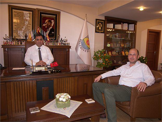 Gazetemiz Yazı İşleri Müdürü Emre Geçim, Belediye Başkanı Şevket Can'ı Ziyaret Etti