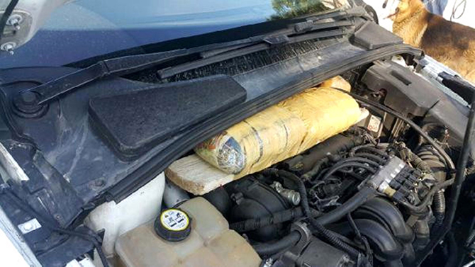Aracın Motor Kısmına Gizlenen Uyuşturucu Bulundu