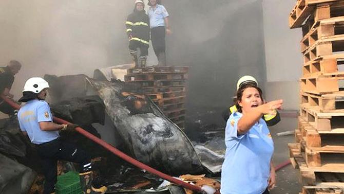 Narenciye Fabrikasındaki Yangın Korkuttu