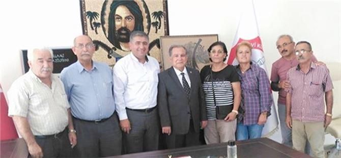 Başkan Kurnaz, Alevi Kültür Dernekleri Tarsus Şubesini Ziyaret Etti