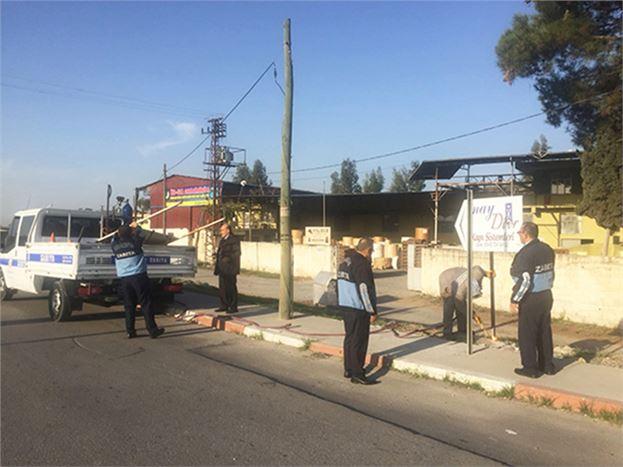Kazalara Sebebiyet Veren Pano ve Levhalar Kaldırıldı