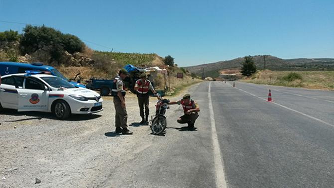 Emniyet ve Jandarma Trafik Ekipleri, Durmaksızın Çalışıyorlar