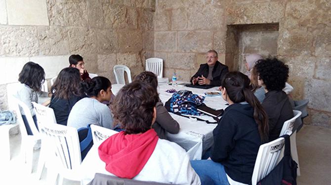 Yazar Fahri Tuna Edebiyat Mektebinde Ders Verdi