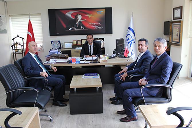 Ticaret Borsası Yöneticileri, SGK Müdürü Süleyman Metin'i Ziyaret Etti