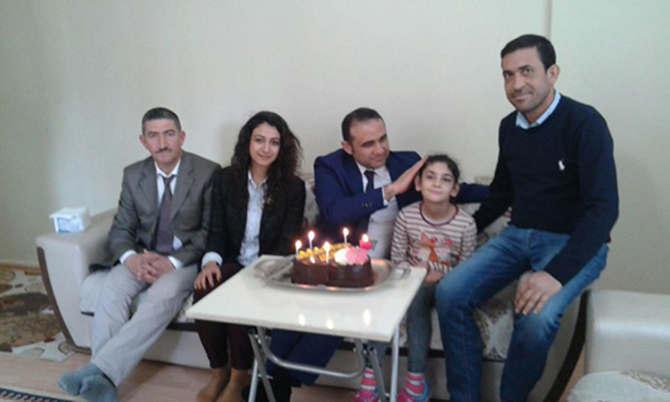 Minik Kardelen'e, Doğum Günü Sürprizi Yapıldı