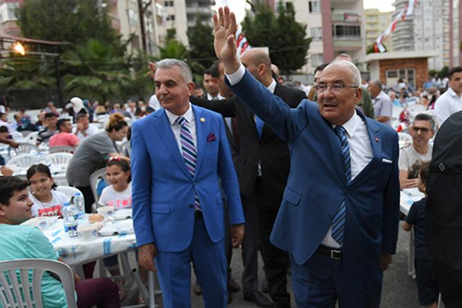 Büyükşehir Belediyesinin İftarSofraları Kurulmaya Devam Ediyor