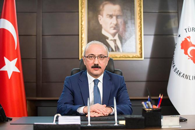 """Bakan Lütfi Elvan, """"Türkiye Ekonomisi Güçlü Yapısal Temellere Sahiptir"""""""