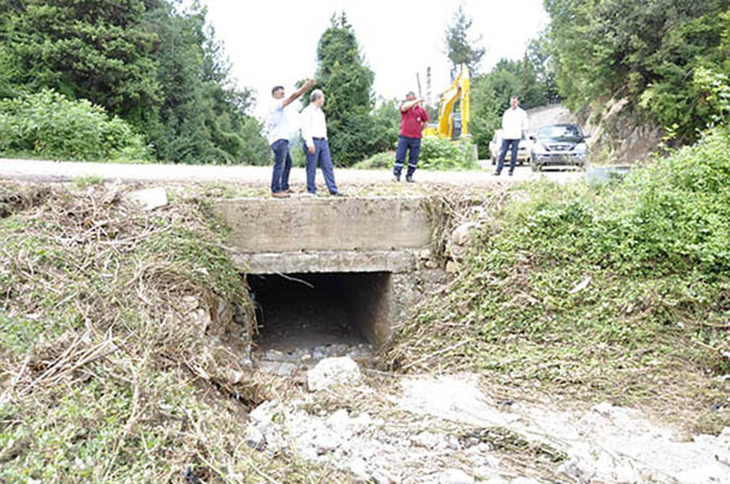 Çamlıyayla'da Yağıştan Zarar Gören Yerlerin Onarımına Başlandı