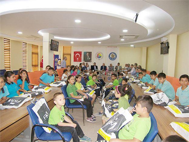 Tarsus TSO'dan 800 Öğrenciye Kırtasiye Yardımı Yapıldı