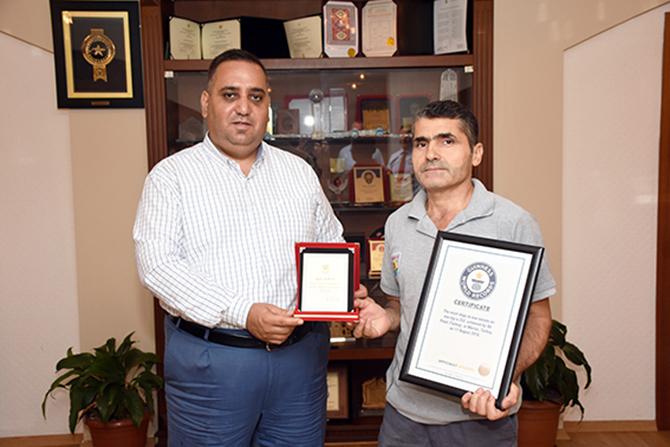 Başkan Şevket Can, Dünya Rekoru Kıran Personelini Ödüllendirdi