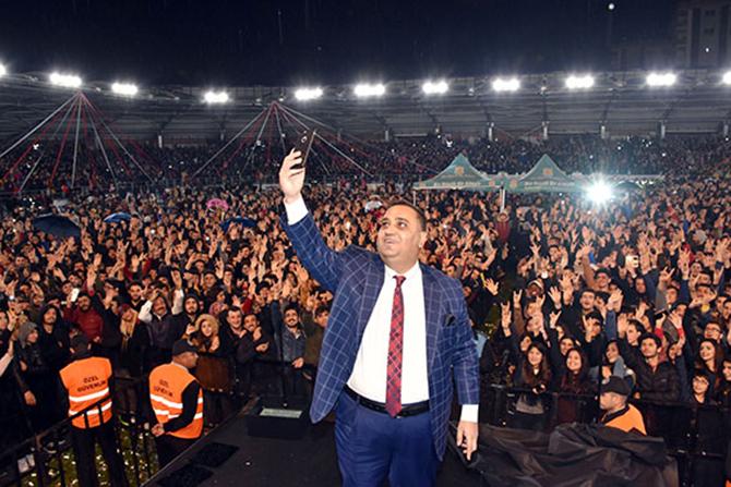 Atatürk Gösteri Merkezi Görkemli Şekilde Açıldı