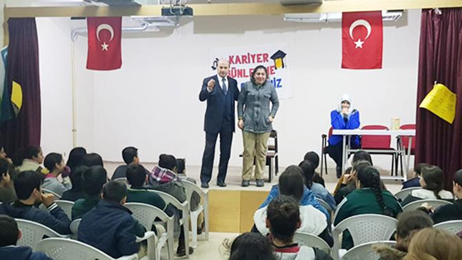 Milli Eğitim Müdürü Mehmet Metin, İbrahim Kozacıoğlu Ortaokulu´nu Ziyaret Etti