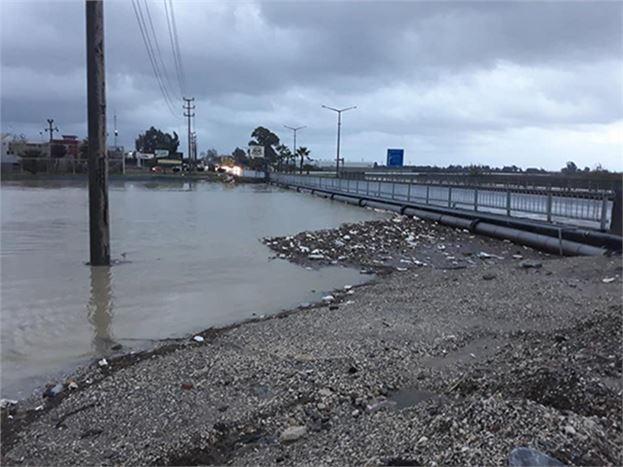 Sağnak Yağmur ve Fırtana Şehrimizde de Etkili Oldu