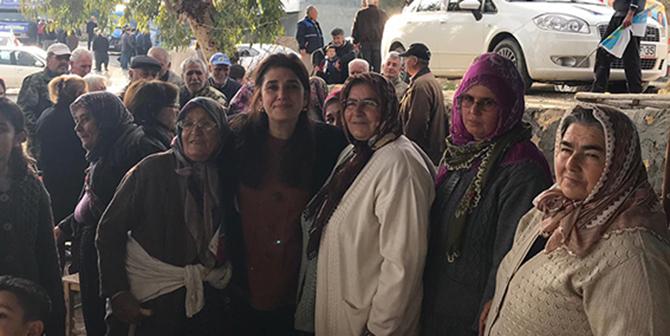 İYİ Parti Tarsus Belediye Başkan Adayı Esin Erkoç, Mahalle Ziyaretlerini Sürdürüyor