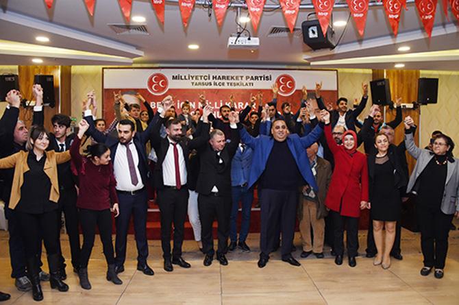 İYİ Partiden 297 Kişi MHP'ye Katıldı