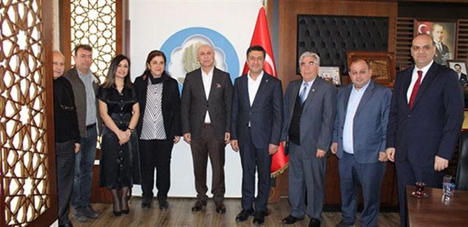 İYİ Parti Tarsus Belediye Başkan  Adayı Esin Erkoç'tan Borsa'ya Ziyareti