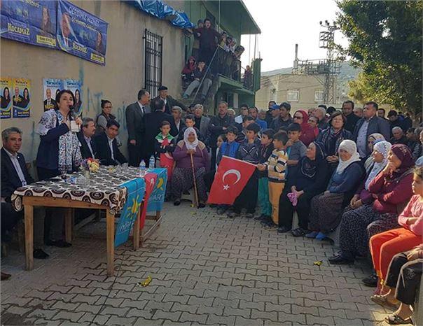 İYİ Parti Tarsus Belediye Başkan Adayı Esin Erkoç, Haftasonu On Mahalleyi Ziyaret Etti