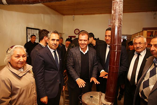 Seçer, Tarsus ve Çamlıyayla'da, Seçim Kampanyasına Devam Etti