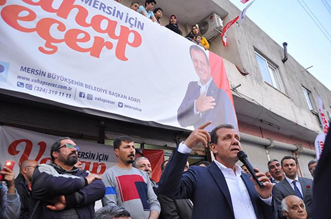 """CHP Mersin Büyükşehir Belediye  Başkan Adayı Vahap Seçer, """"Hizmette Öncelik Yoksul Mahallelerin Olacak"""""""