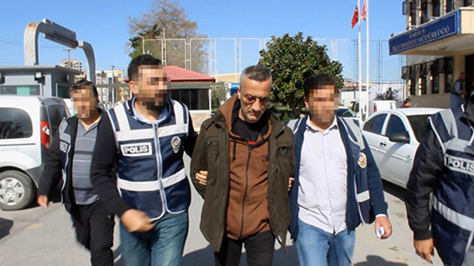 Antalya'da Eşini Öldüren Koca Tarsus'ta Yakalandı