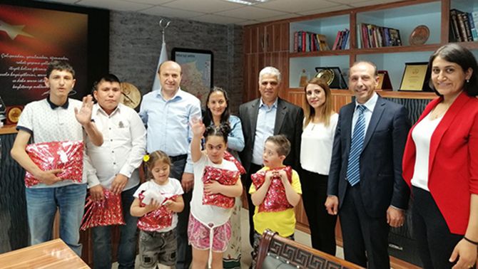 Özel Öğrenciler, Müdür Mehmet Metin'i Ziyaret Etti