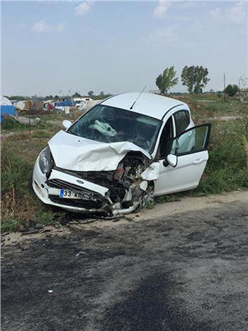 İki Kadın Öğretmen Kazada Yaralandı