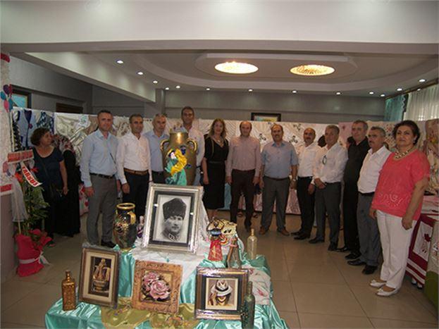 HEM'de 'Öğrenme Şenliği ve Yıl Sonu Sergisi' Açıldı