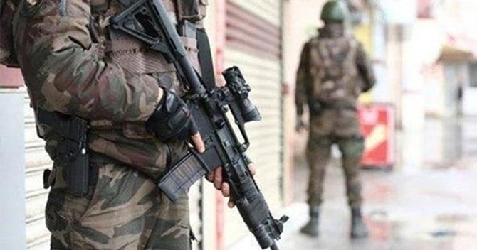 Tarsus'ta Bazı Evlere DEAŞ Baskını Gerçekleştirildi