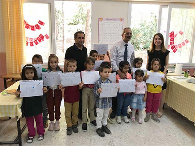 Tarsus Belediye Başkanı ve Yardımcıları, Öğrencilerin Karne Heyecanına Ortak Oldu