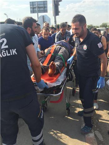Trafik Kazasında: 2 Yaralı