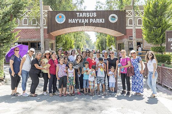 Tarsus Gençlik Kampı'nda Kadınlar ve Çocuklar Mutlular