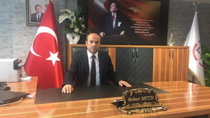 """Metin, """"Liseli Öğrencilerimizden,Türk ve Dünya  Edebiyatından Kitaplar Okumalarını İstiyoruz"""""""