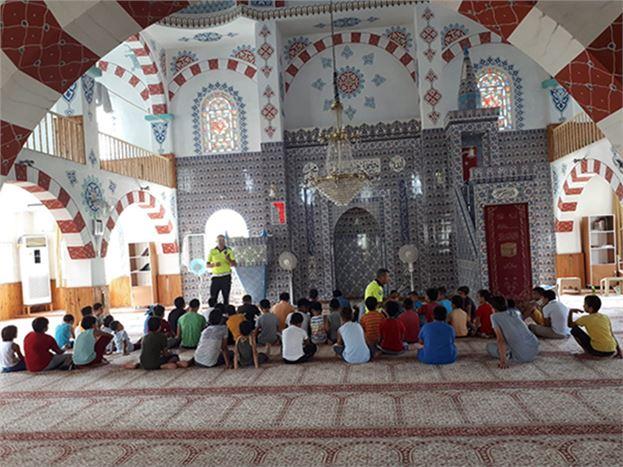 Kur'an Kurslarına Giden Öğrencilere Trafik Eğitimi