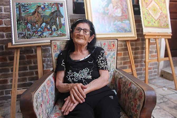 92 Yaşındaki Pakize Nine Göz Nuru Eserlerini Sergiledi