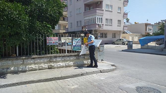 Tarsus'ta Gelişigüzel Asılan Afiş ve Pankartlara İzin Yok