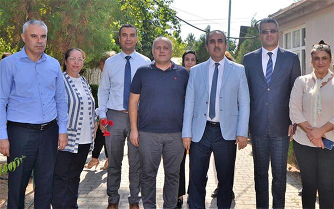 Bahçacı ve Tiryaki, Tarsus  Huzurevi Sakinlerini Ziyaret Etti