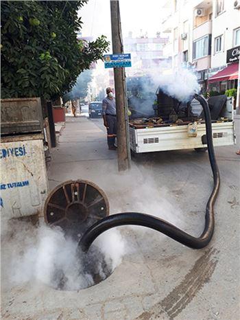 Tarsus'ta Büyükşehir Ekipleri İlaçlama Çalışmalarına Aralıksız Devam Ediyor