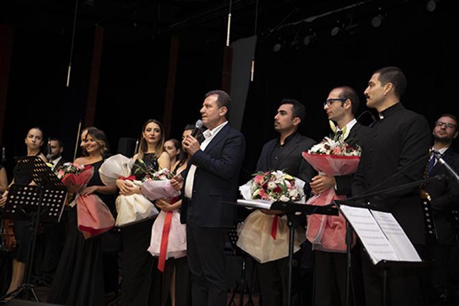 Büyükşehir'in Güz Konseri'nde Müzikseverler Bir araya Geldi