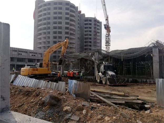 Devlet Hastanesi İnşaatında Çökme Meydana Geldi