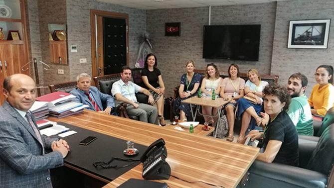 Erasmus'a Proje Yapanlar, İlçe Milli Eğitim Müdürü Metin'i Ziyaret Etti