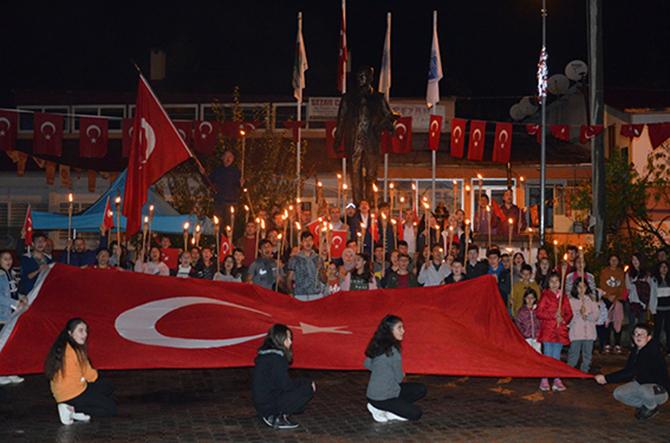 Çamlıyayla'da Cumhuriyet Bayramı Etkinliği Coşkulu Kutlandı