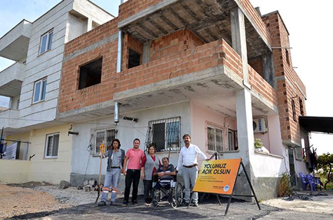 Büyükşehir, Tarsus'lu Diyaliz Hastası Çiçekoğlu'nun Yüzünü Güldürdü