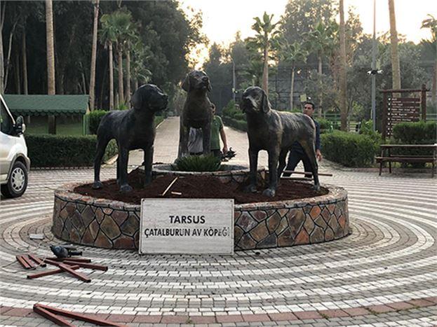 Çatalburun Köpeklerini Simgeleyen Heykeller, Tarsus Doğa Parkına Taşındı