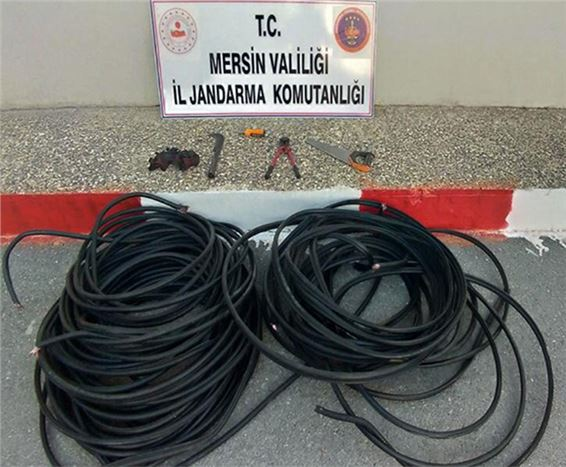 Kablo Çalan İki Kişi Tutuklandı
