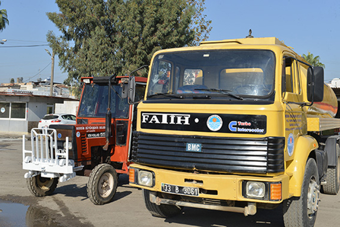 Büyükşehir Belediyesi Atıl Haldeki Traktör ve Arazöz Araçlarını Onardı