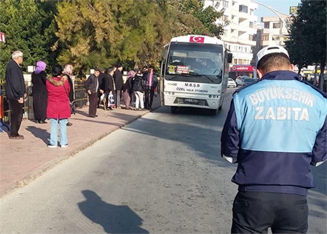 Büyükşehir Zabıta Ekipleri, Tarsus'ta Toplu Taşıma ve Servis Araçlarını Denetledi