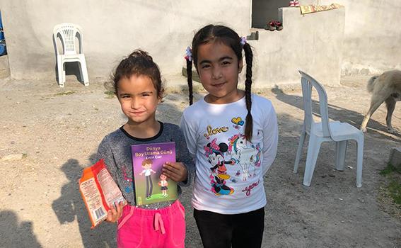 Tarsus CHP'den Evdeki Çocuklara Kitap