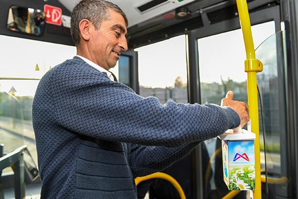 Büyükşehir, Otobüslerde Korona Tedbirini Arttırdı  Otobüslere Dezenfektan Koyuldu