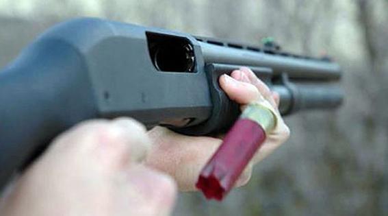 Kavga Ettiği Kişilerin Yolunu Kesip Silahla Yaraladı